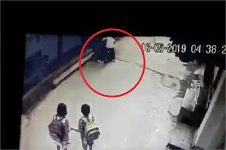 looted from the women in delhi