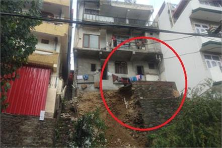 another building in solan on the brink of collapse
