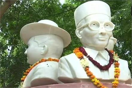 statues of savarkar bhagat singh and bose removed overnight from du
