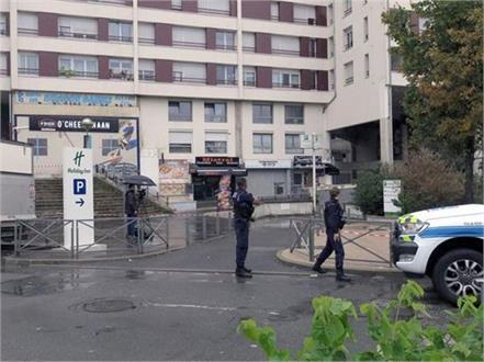 customer kills french waiter in sandwich spat