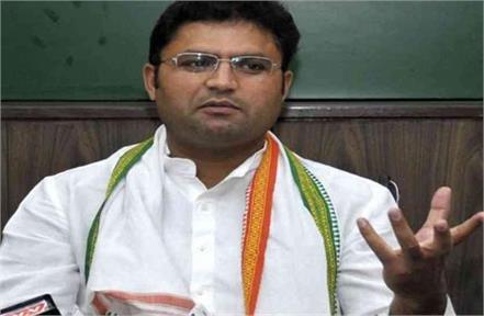 free lancer ashok tanwar batting openly on political pitch