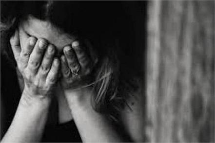 mother sold to 15 year old daughter for one lakh rupees