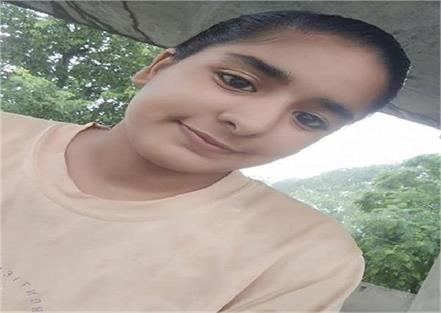 girl going to school tragic death in road accident