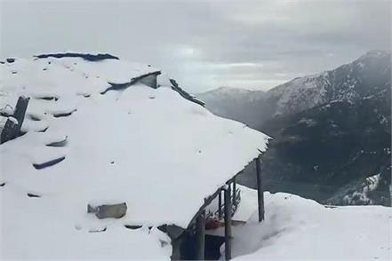 fresh snowfall in upper areas of sirmaur