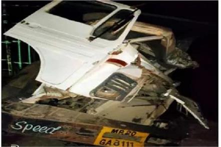 horrific accident passenger bus collided roadside truck jabalpur 3 killed