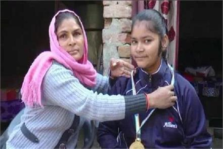 when parents leave aunt gives support daughter wins gold medal