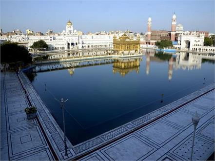 police stopped sangat from going to sri harimandir sahib