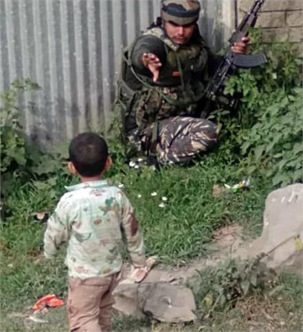 jammu kashmir the soldiers saved the life of the child