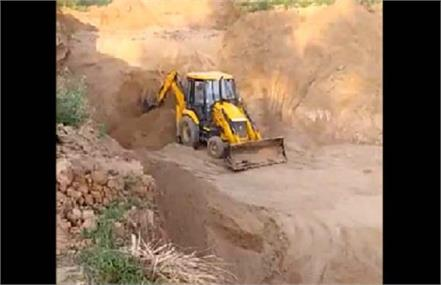 3 tractor trolleys seized in raids on illegal mining