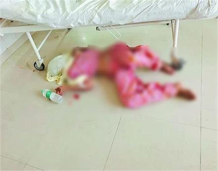 pictures of corona patient s body lying on the floor in the hospital