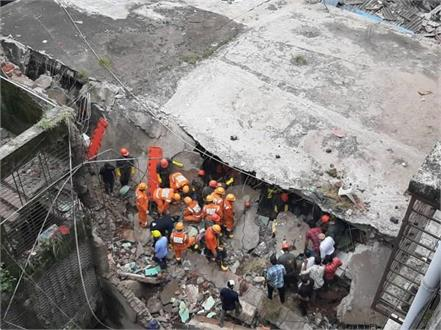 bhiwandi building accident ndrf saved life of a child buried in debris