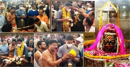 akshay kumar worship at mahakaleshwar jyotirlinga before omg 2 shooting
