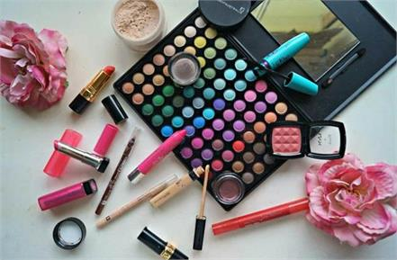 these things must be included in the karwa chauth makeup kit