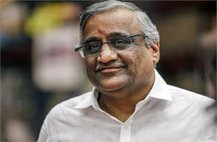 amazon knew all about reliance s deal with future group kishore biyani