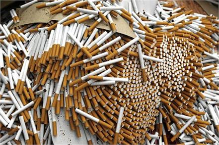 noida goods worth lakhs of rupees looted from cigarette warehouse