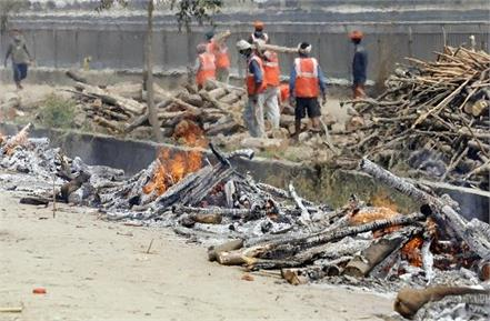 corona deaths in jalandhar shortage of wood for cremation