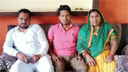son defeats mother in auraiya and becomes district panchayat member