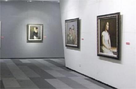 works of 151 artists from 15 countries in international art exhibition