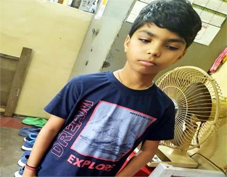 10 year old kunal clashed with monkeys to save mother and sister