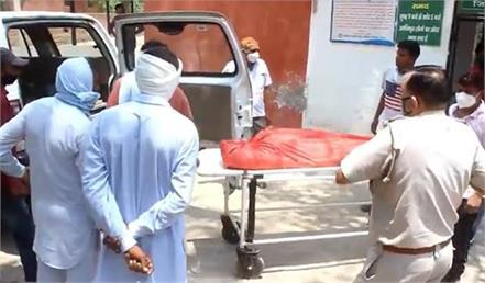 both mother and child die after delivery doctor accused of negligence