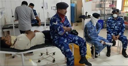 25 rapid action force personnel fell ill after drinking contaminated water