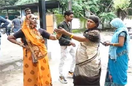 dead body caught in dispute between hindu mother and muslim wife