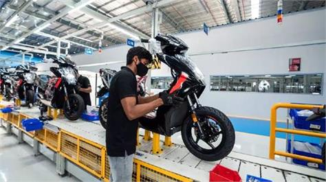 government raises incentives on electric two wheelerੇ