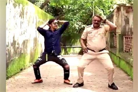 mumbai police jawan is winning hearts of people through dance videos