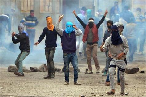 stone pelting reduced by 88 percent in jammu kashmir
