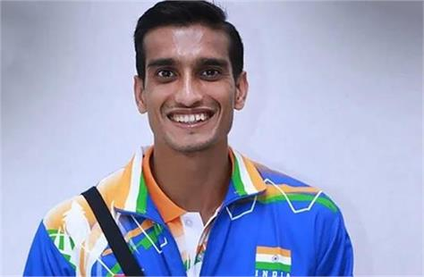 paralympic bronze medalist sharad enters aiims due to chest tightness