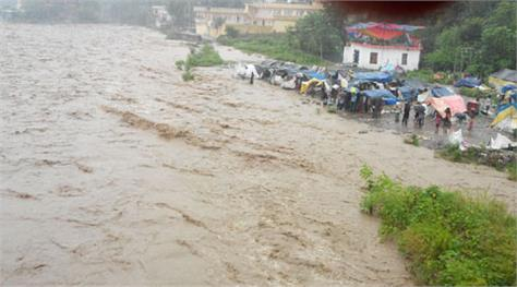 flash flood in kashmir one died
