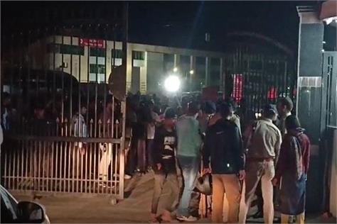 rishikesh aiims medical students assaulted people in drunken condition