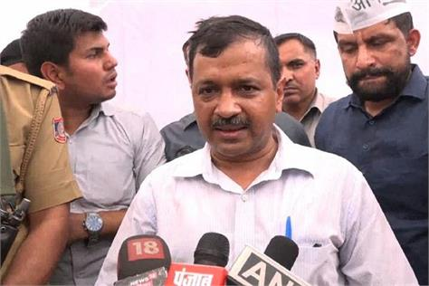 kejriwal blamed to modi fo petrol pumps strike in delhi
