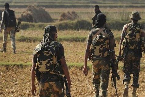 chhattisgarh shootout booth near naxalites in the encounter crpf