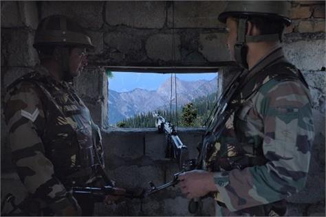 indian army 5 pakistani soldiers piled out