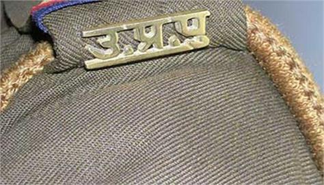 in noida encounter between police and badmash two crooks injured