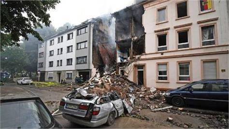 25 people injured in building explosion in germany