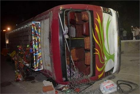 bus unturned filled with nepali pilgrims 40 injured