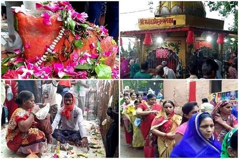 devotees in shiva temples on the last monday of savan