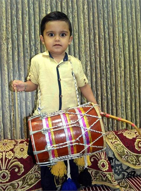 child singer mannat