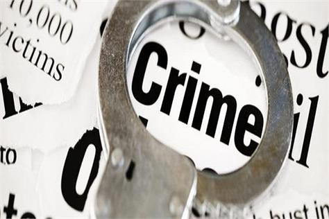 innova aboard 3 youths abduct property dealer