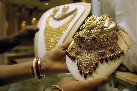 gold plunges by rs 250 silver drops to three week high