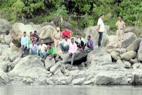 youth drown in beas river police launched search campaign