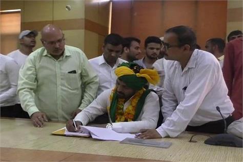 pradeep deshwal filled nomination from rohtak