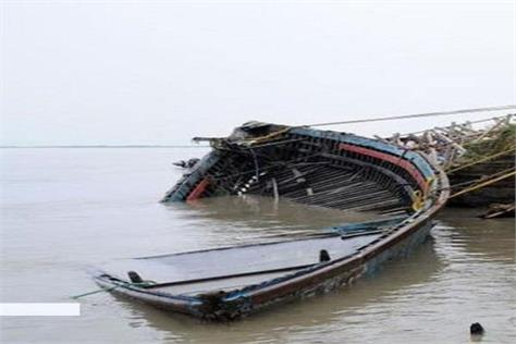 5 missing relief and rescue work boat reversed in river