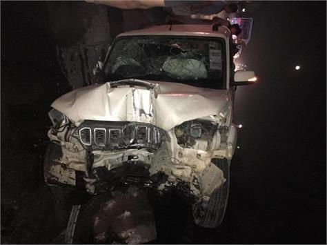 2 police employee injure in accident