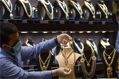 gold silver fell by rs 504 again learn new rates today