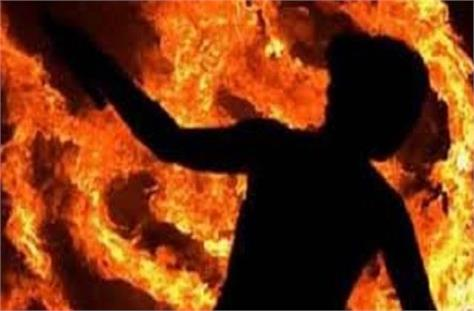 husband burns wife alive when refuses to go along for fishing
