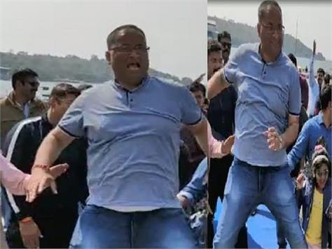 sp amit singh did a tremendous dance on bala bala