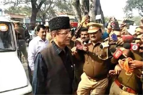 azam khan reached the jail said the whole country knows what is happening